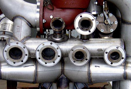 Exemple de tuyauterie industrielle