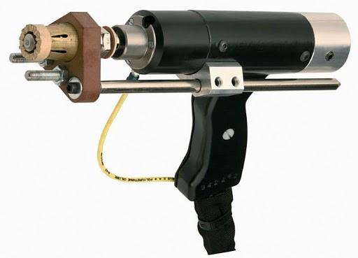 Pistolet pour souder les goujons